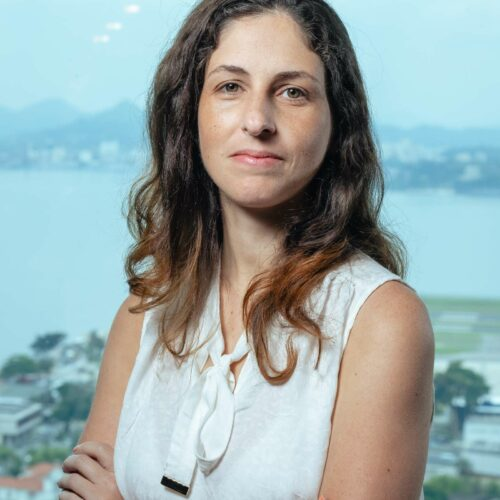 Aline Pratti - DevOps Engineer